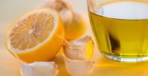 Чеснок и мед - хороший способ лечения коклюша